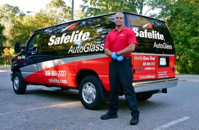 Performance pay at Safelite Auto Glass - Essay Example